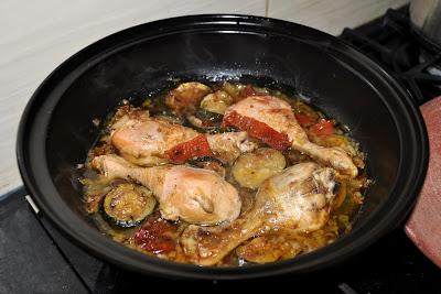 Kurczak z cukinią i suszonymi pomidorami