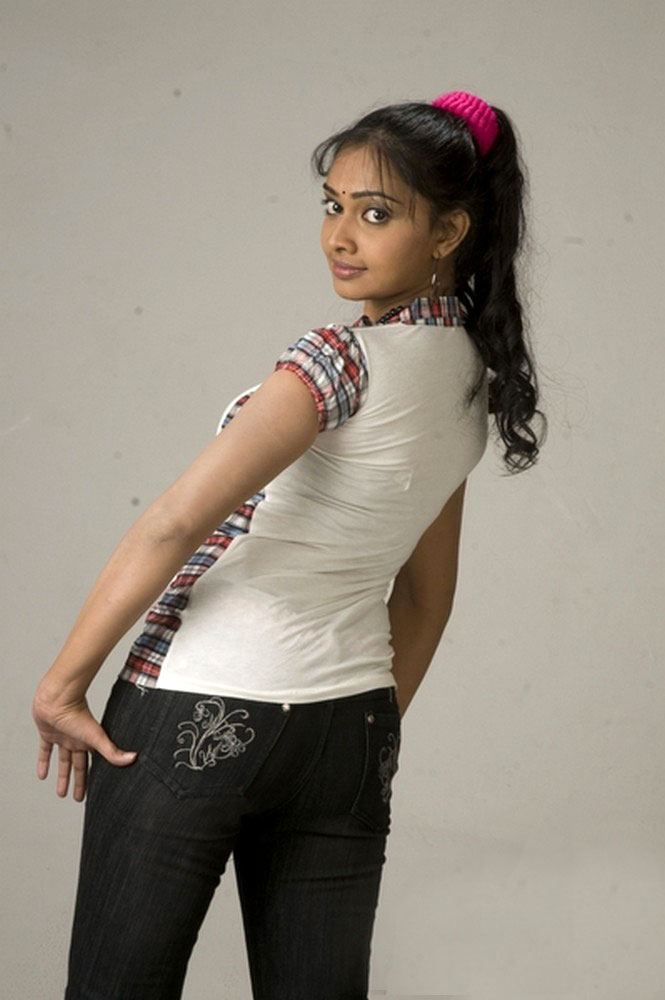 Image search: divya spandana nude photos without clothes