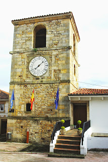Colunga, Lastres, Torre del reloj