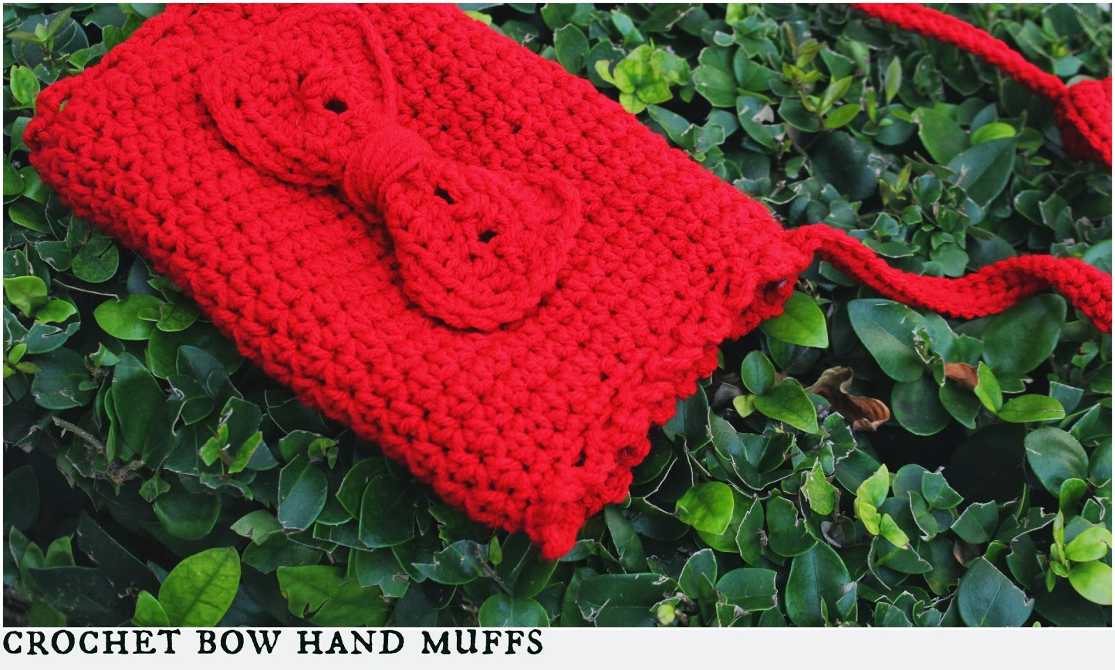 the dream crochet blog.: DIY: Crochet Bow Hand Muffs