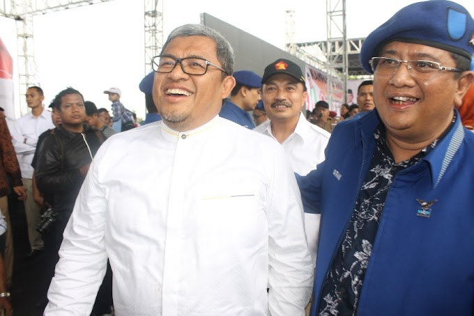 Demi Idris-Pradi, Aher dan Dede Yusuf Jalan Kaki ke Lokasi Kampanye