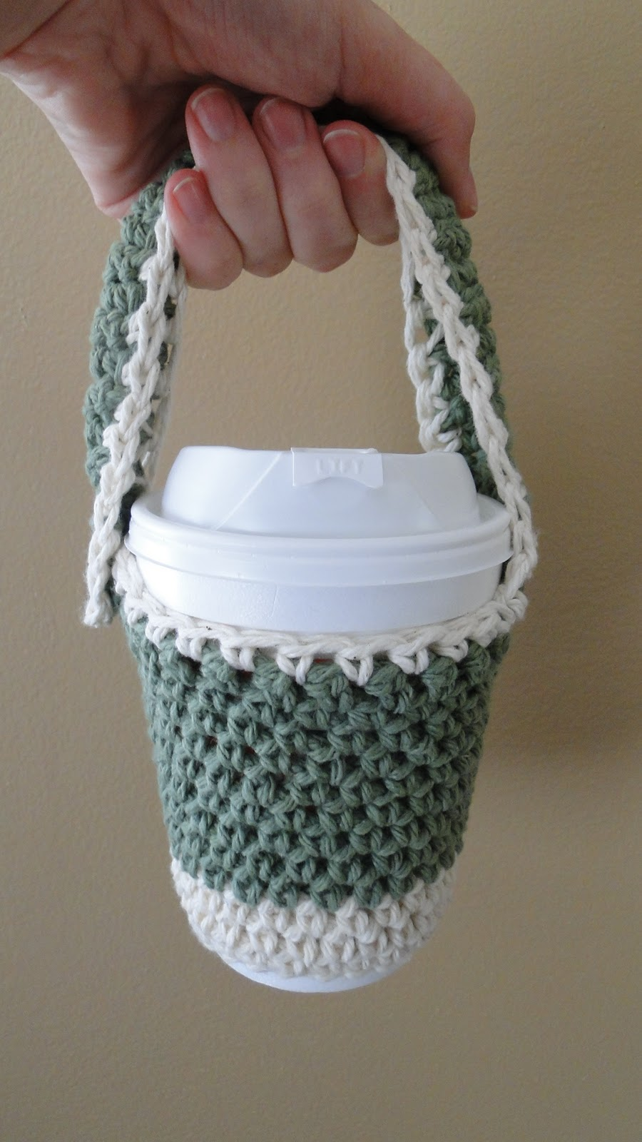 Ruby Knits: Free Pattern Friday is BACK - Crochet To Go Cup Holder