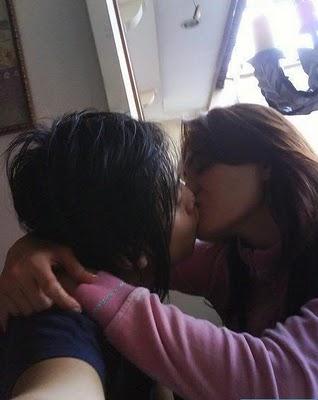 ... Foto Ciuman Seks Mesum Artis Indonesia Bugil Telanjang Ngentot Skandal