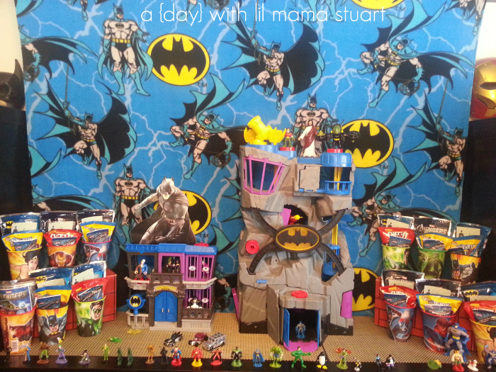Its No Surprise That A Batman Superhero Party Was All One Little Boy Wanted Christine Easily Decorated Her Sons 4th Birthday For Less Than 20
