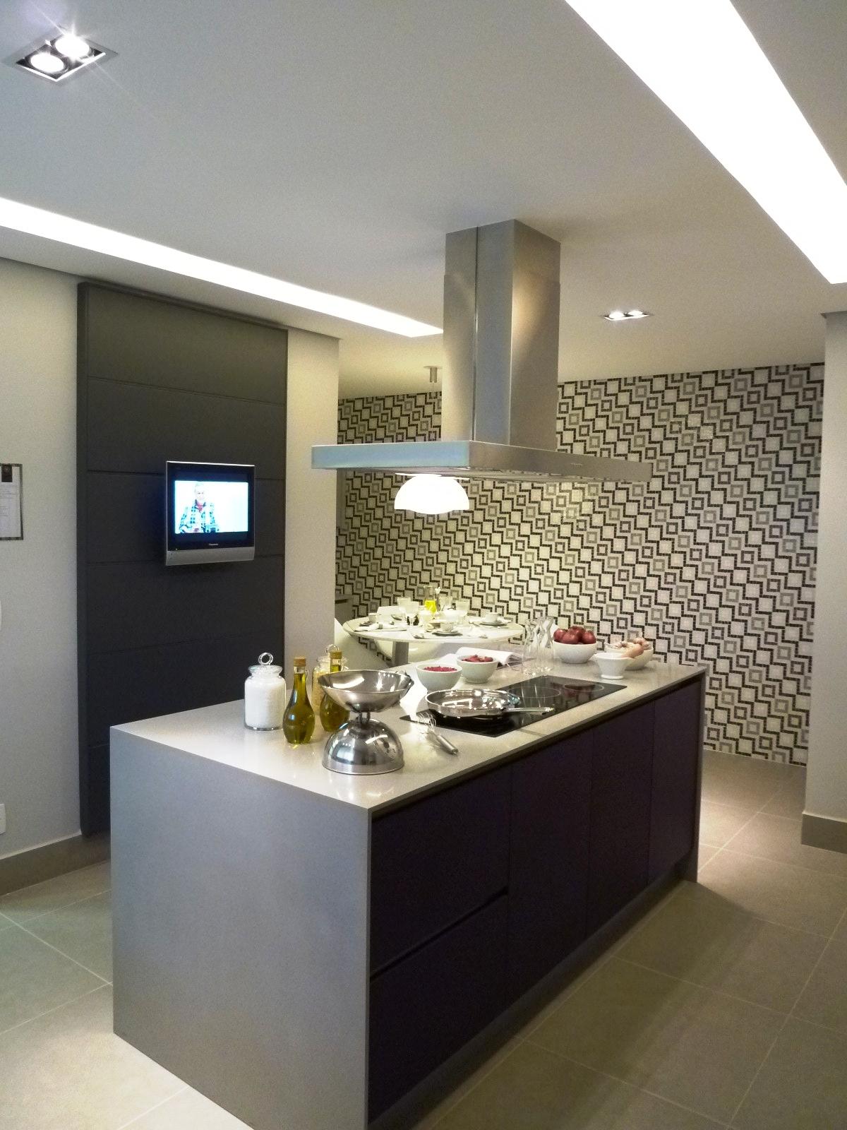 Iluminao De Cozinha Ao Centro Possvel Ver A Luminria Plafon Em Ao