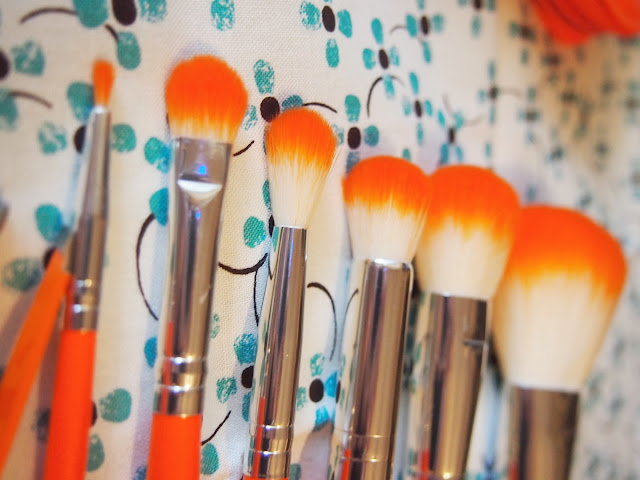 Crown HD Brush Set