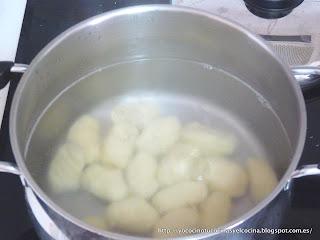 cociendo gnocchis