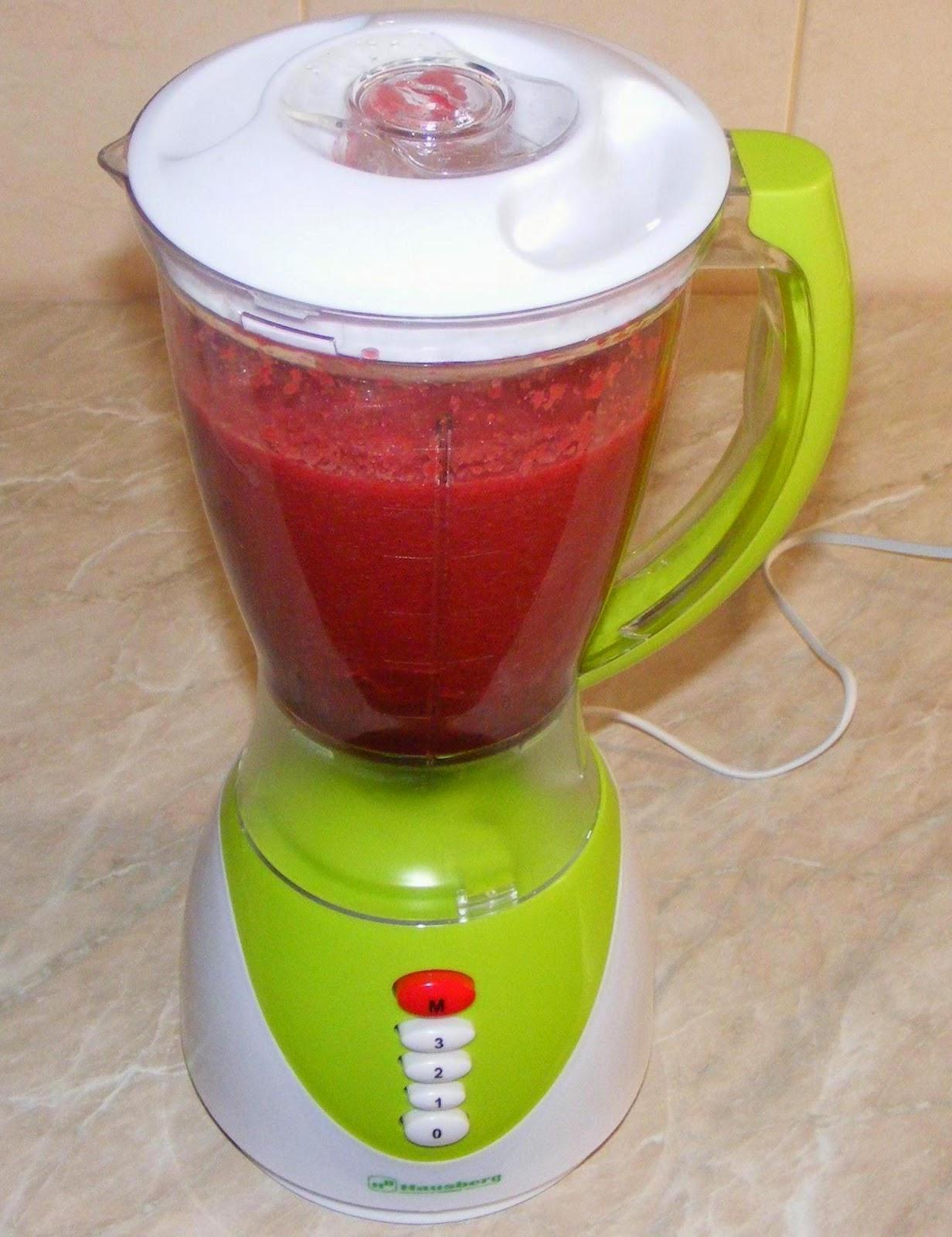 sucuri la blender, suc la blender, suc de legume, sucuri de legume, suc de morcovi, suc de telina, suc de sfecla rosie, diete de slabit, cura de detoxifiere, cura de slabire, sucuri naturale, suc natural, bauturi nealcoolice, suc, sucuri,