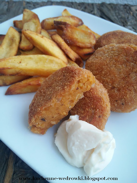 Chickpea burgers with pepper paste
