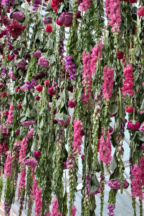 Ultime tendenze floreali dall'Inghilterra_ Rebecca Louise Law ...