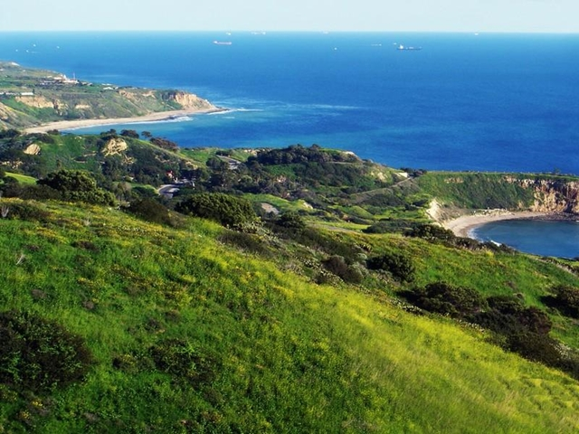 Photo of surrounding hills an the ocean