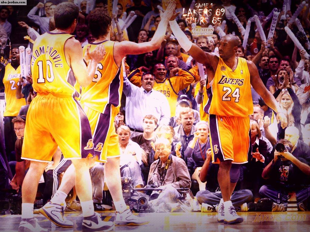 http://4.bp.blogspot.com/-hcklVdgWq8M/TmZxYS2X9VI/AAAAAAAABg0/TR_jsgwo8pQ/s1600/LA_Lakers_GAme_1.jpg