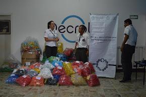 Entrega Policía Estatal tapas de plástico para asociación de niños con cáncer