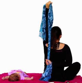 biceps, triceps, pectoralis, mięśnie piersiowe, ćwiczenia mamy, ćwiczenia po ciąży, ćwiczenia z dzieckiem, ćwiczenia z niemowlakiem, mums exercises, afrer pregnancy exercises, postpartum exercises, exercises with your child, exercises with a baby, fitness, trening, training