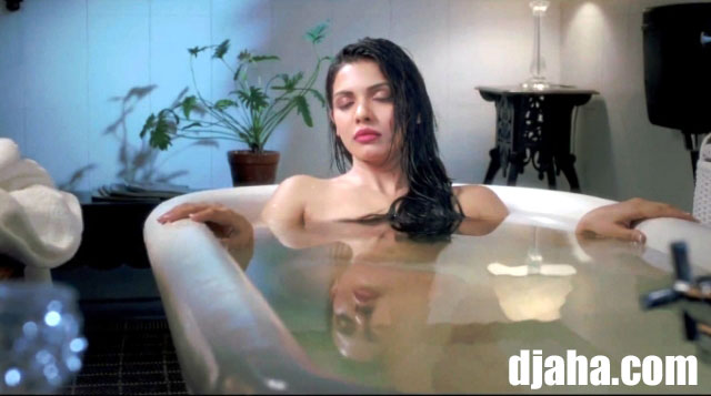 'Murder 3' actress Sara Loren's Hot Wallpapers, Pictures, Images and Stills
