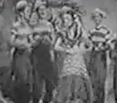 Propaganda da Coca-Cola no começo dos anos 50. Musicalidade e valorização da cultura brasileira. Propaganda rara.