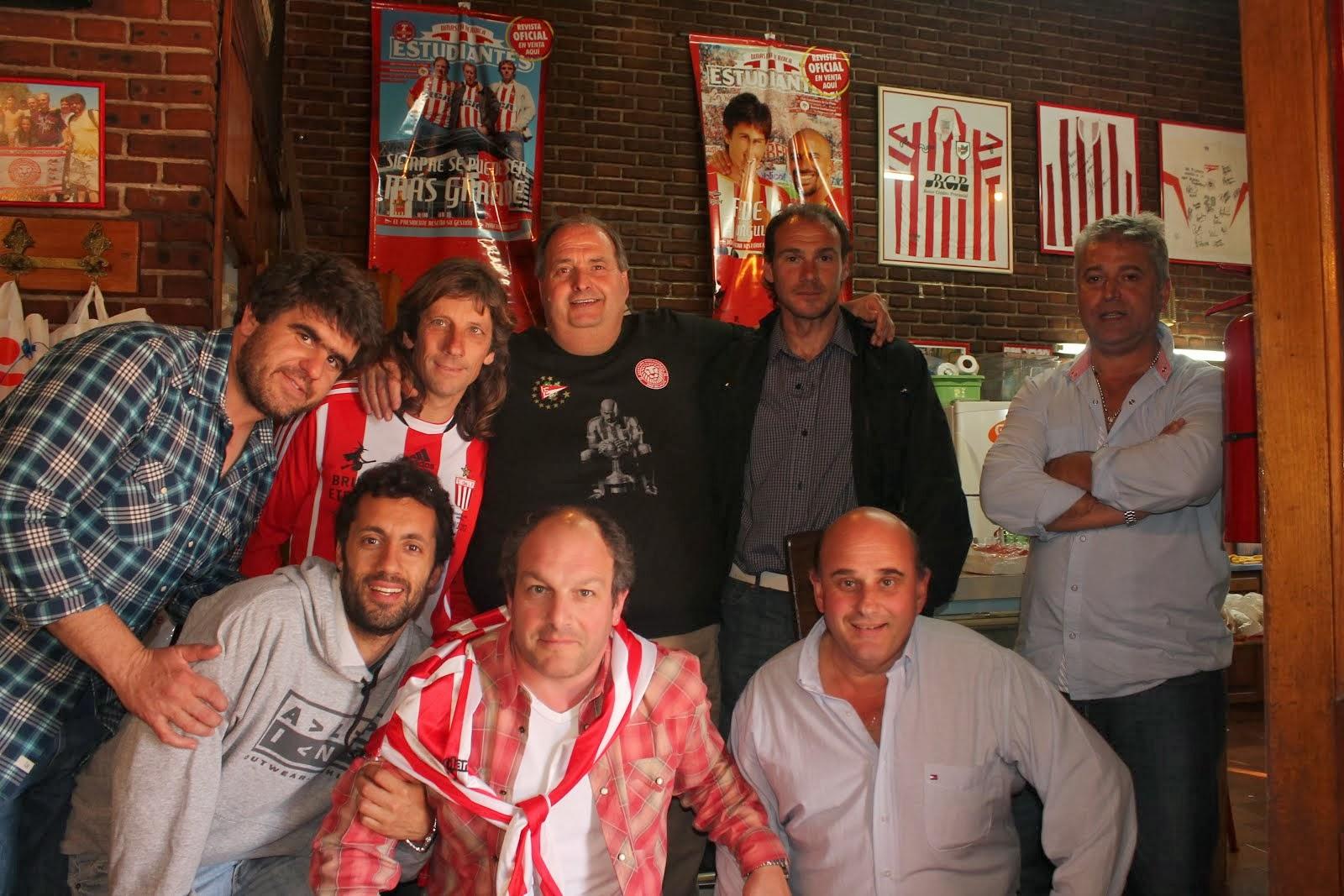 Martin Mazzucco con integrantes de Apertura
