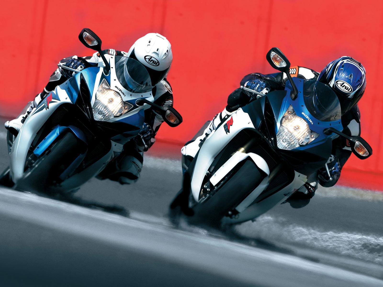 http://4.bp.blogspot.com/-hdcKLB6LrK4/TuVSiXgOpbI/AAAAAAAAFPw/OxwSWAr2rMs/s1600/2011_Suzuki_GSX-R_600_motorcycle-desktop-wallpaper_06.jpg