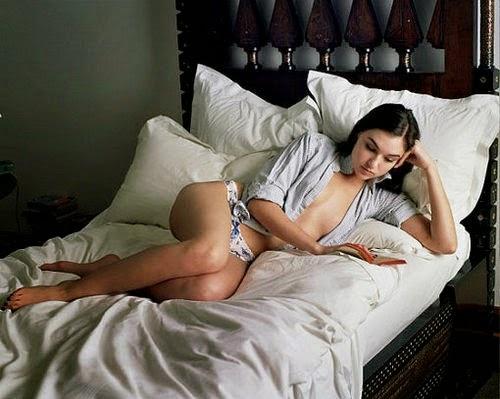 Видео транс блондинка кровать