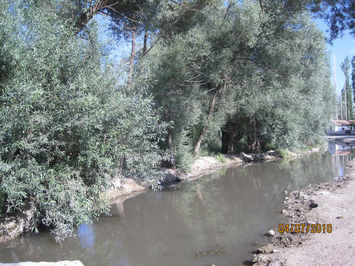 Sukayıpları nehir yatağından derindeki akiferden meydana gelen su