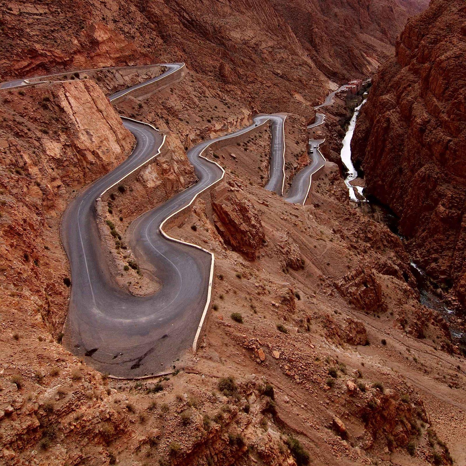"Golf Challenge Maroc 2012 (Raid "" low cost"" pour m Carretera+Garganta+del+Dades+Atlas+Maruecos"