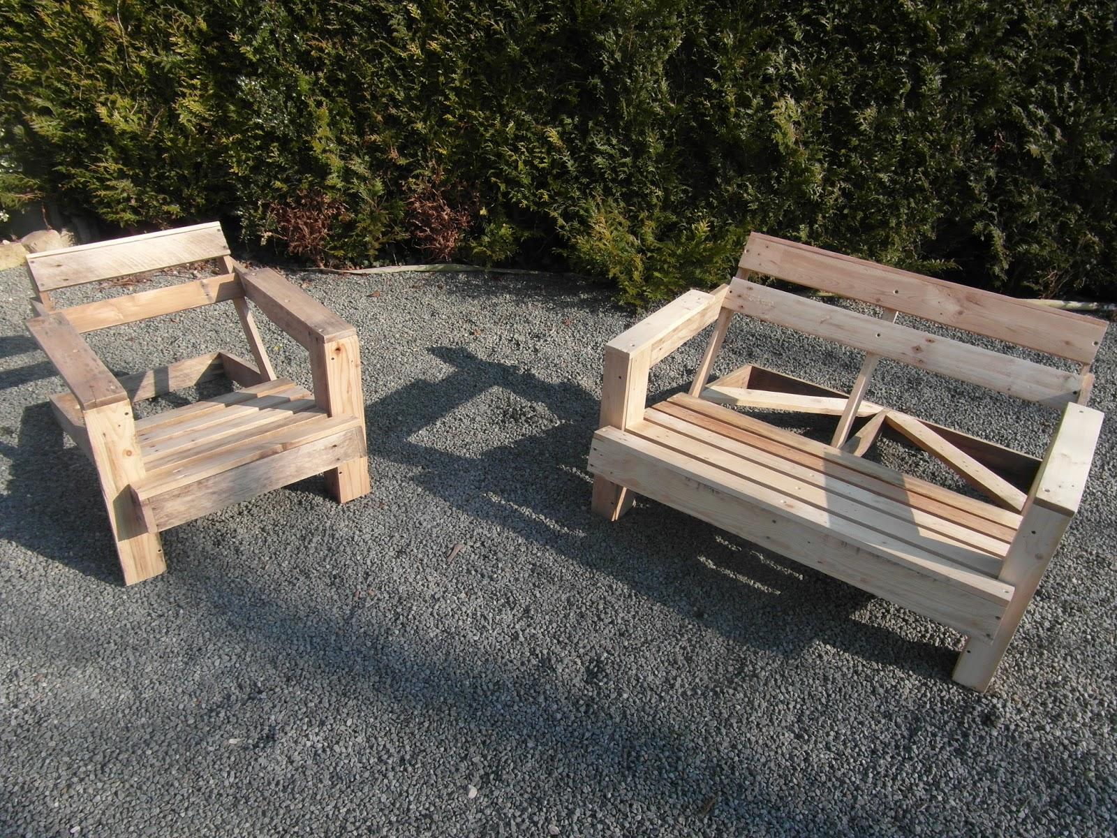 Petit salon de jardin bois des id es int ressantes pour la conception de des Salon de jardin bois cdiscount