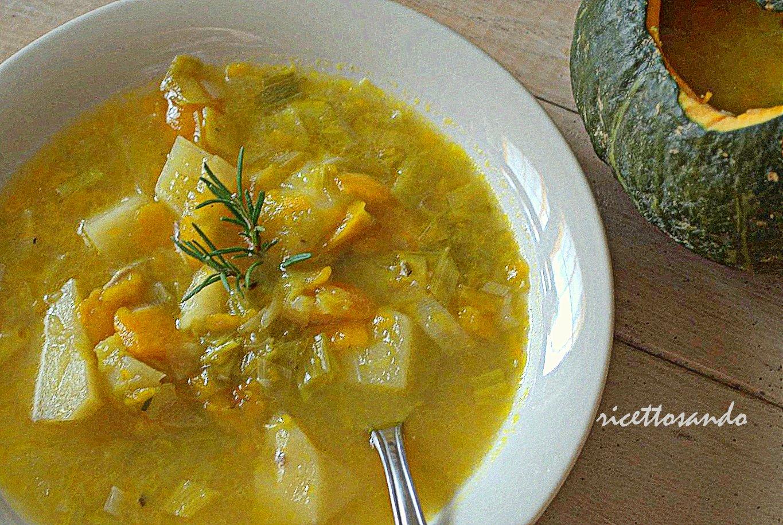 Zuppa vegetariana di zucca patate e porri ricetta primi