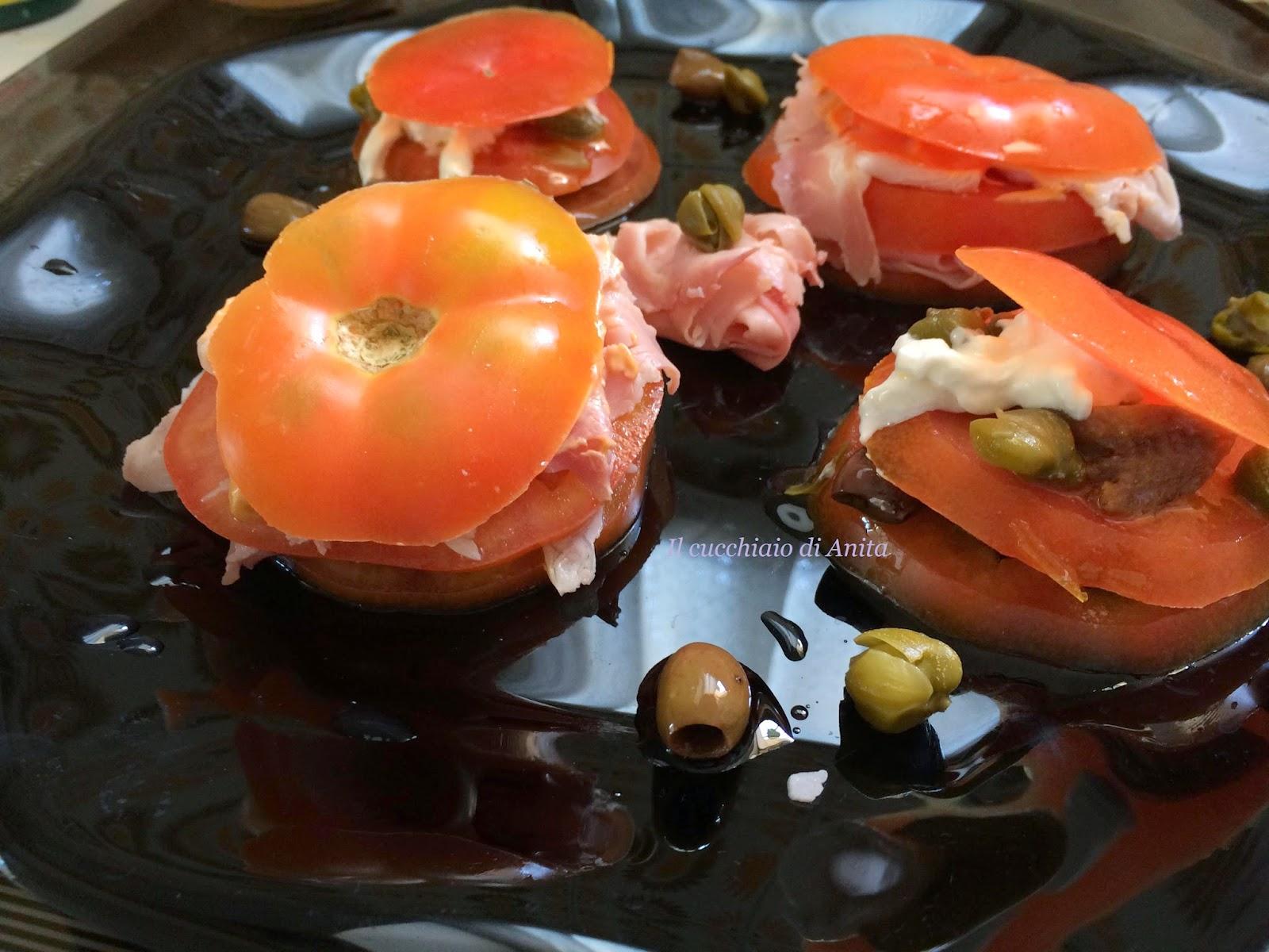 torrette di pomodori