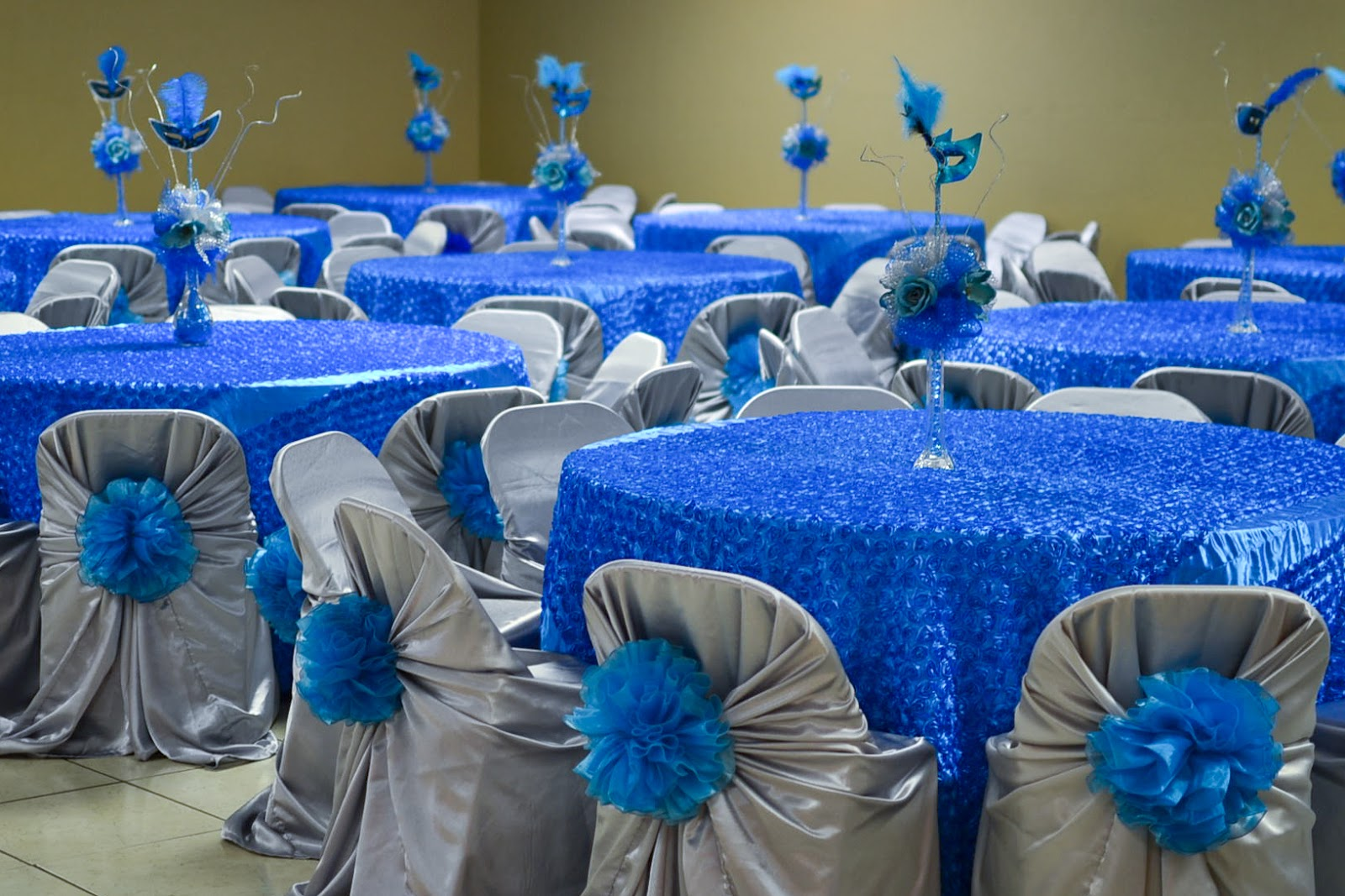 Quinceanera table centerpieces cake ideas and designs for Quinceanera decorations