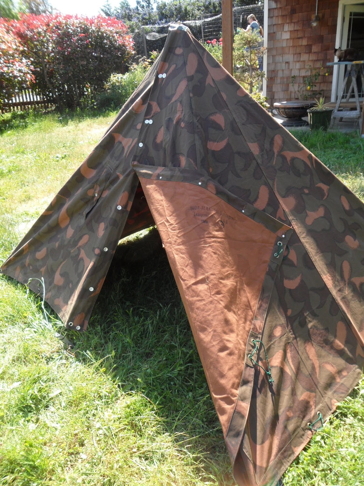 You can fold both sides of the entrance back to form a half shelter or you can just leave the zelt in its pyramid form and use the edge slit as the   ... & Four Bees: Hungarian Zeltbahn M49/82 Set Up as Tent  With Mosin ...