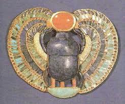 Amuleto Encontrado na Tumba de Tutancamon