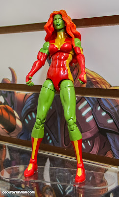 Hasbro 2013 Toy Fair Display Pictures - Marvel Legends - She-Hulk Lyra