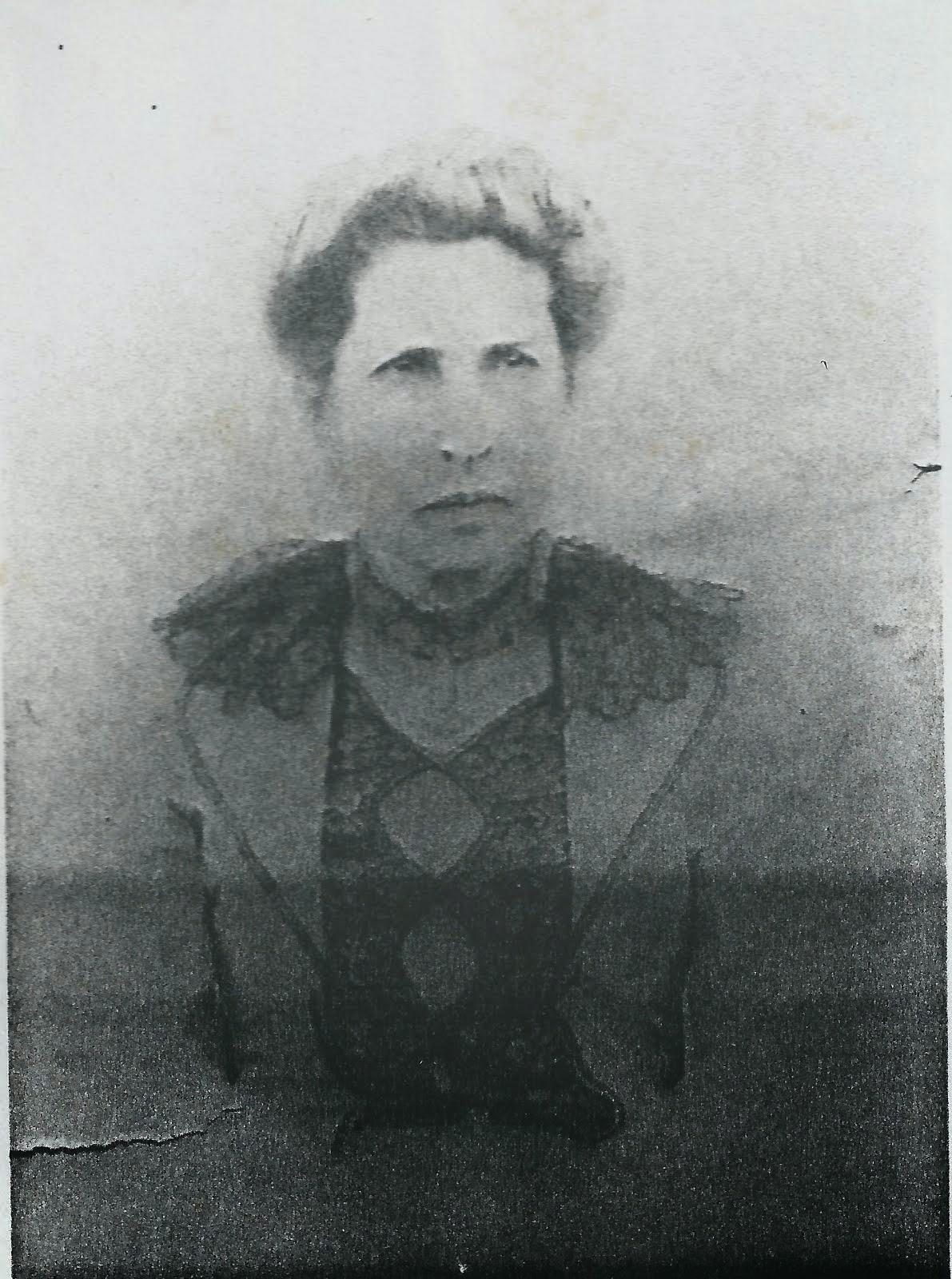 Cândida Maria da Silva Mattos (Tia Cândida ou Tia Candinha)