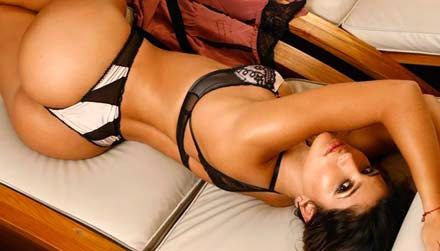 Dani Souza, a Mulher Samambaia nua, pelada no Paparazzo