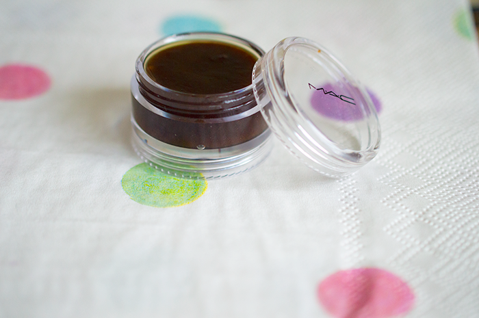 How to make your own lip scrub