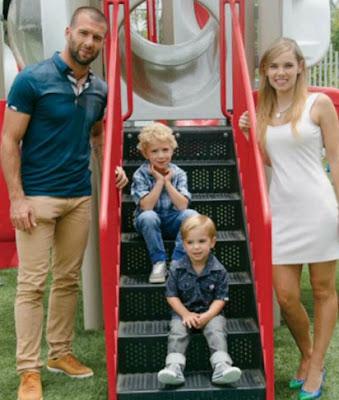 """El futbolista Emmanuel """"Tito"""" Villa celebra los 6 años de su hijo"""