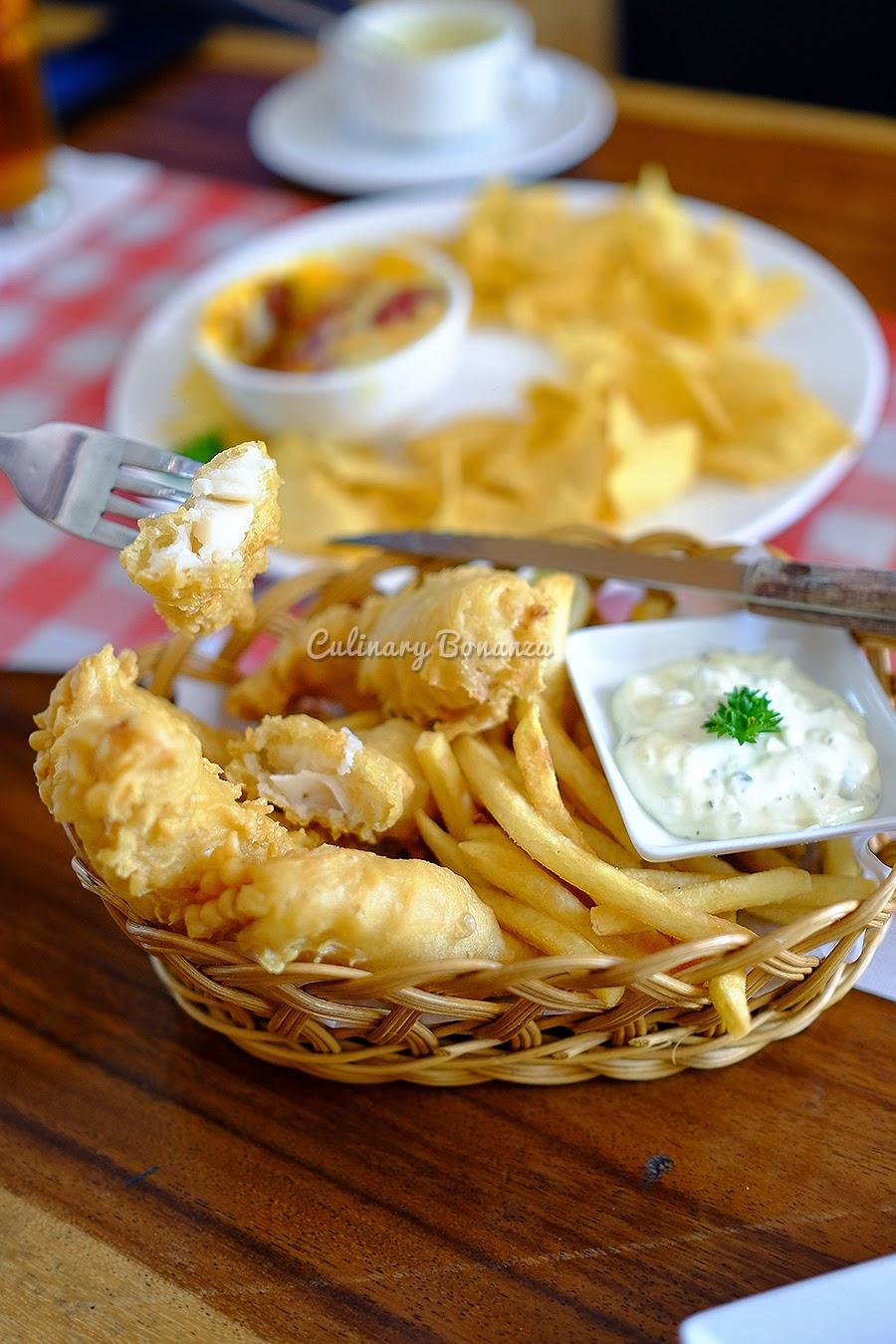 Fish & chips, with tartar sauce