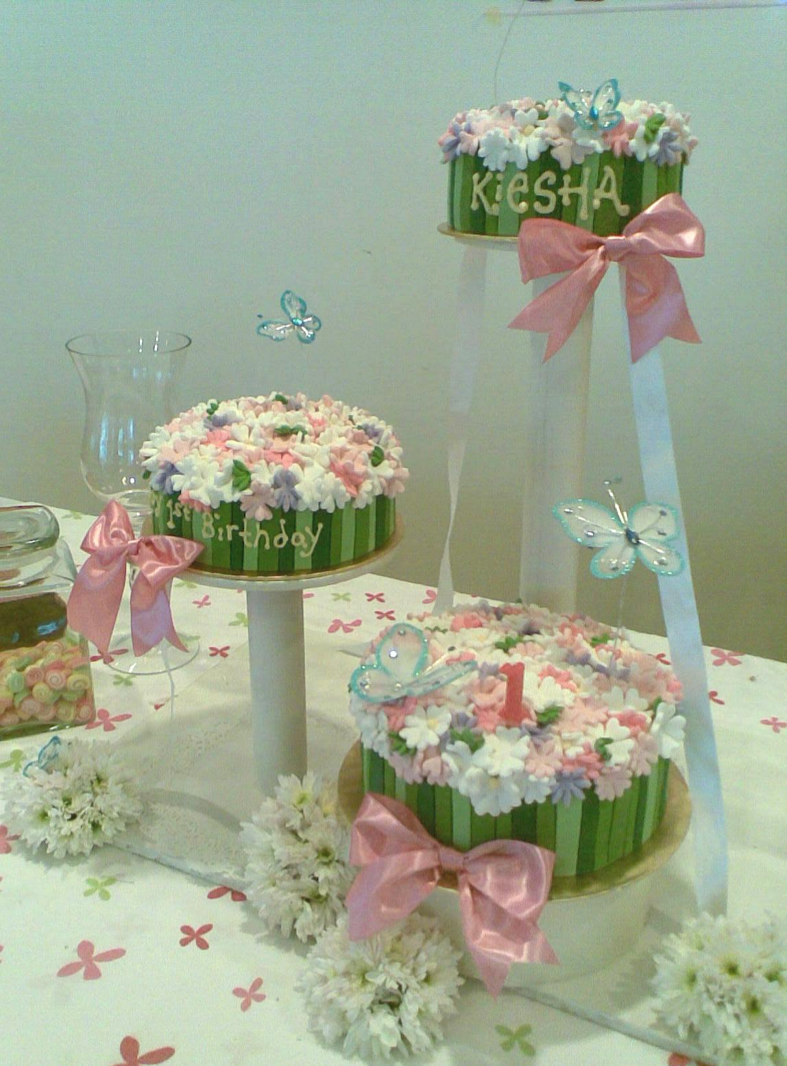 Lailys ptisserie sweet kieshas birthday cake flower garden theme izmirmasajfo