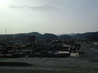 写真:南三陸町の防災対策庁舎周辺の光景