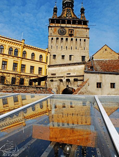 turnul cu ceas sighisoara martie