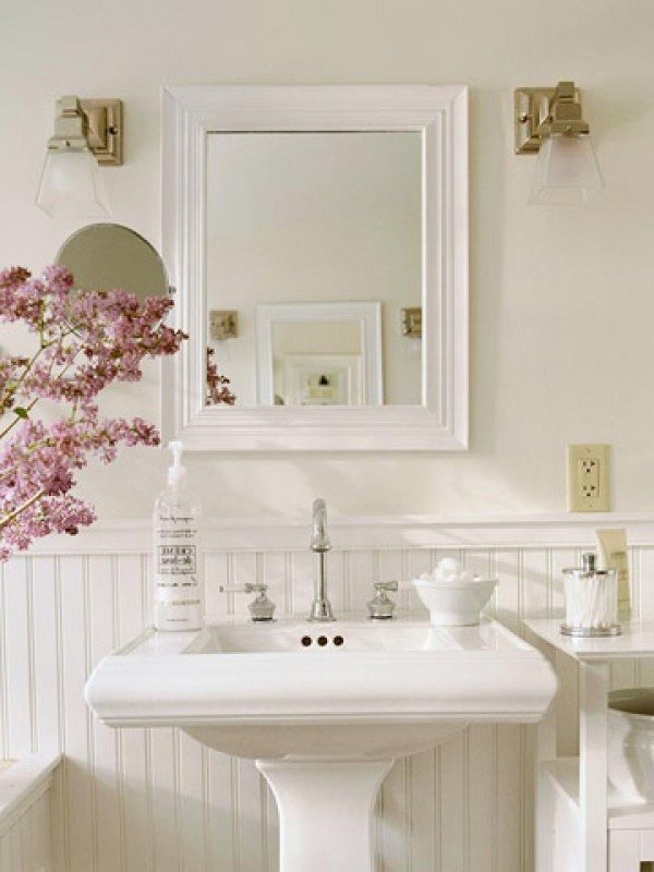 pedestal sink cottage bathroom decorating design