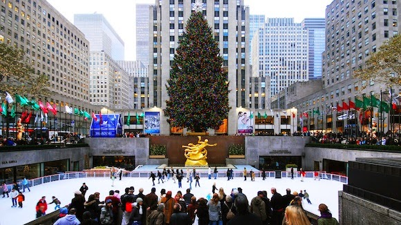 Patinando en el Rockefeller Center de Nueva York