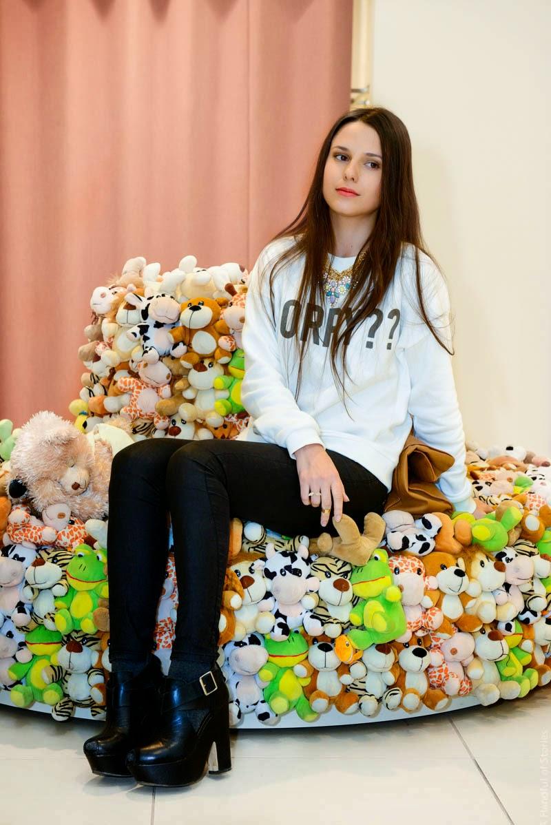 plush toy sofa, диван из мягких игрушек, модный блогер
