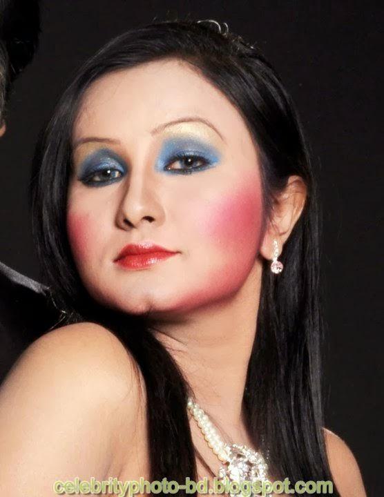 Dhaka+Girl+Homely+Made+Model+Photos010