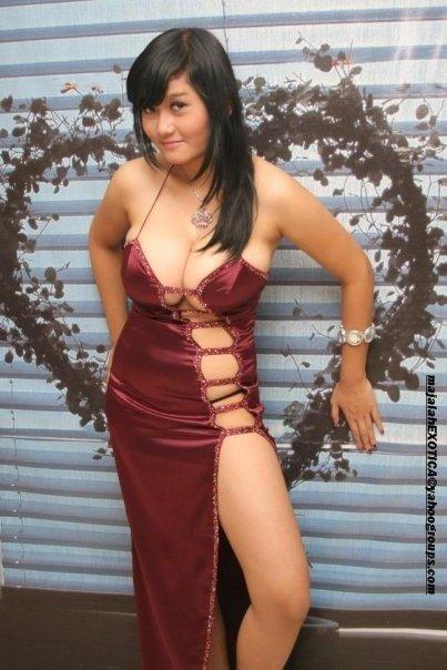 Foto-Foto Gadis Cantik Pemilik Payudara Terbesar Pic 14 of 35