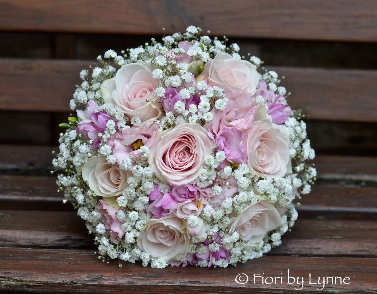 Wedding flowers blog laura 39 s romantic pink and white for Bouquet rose