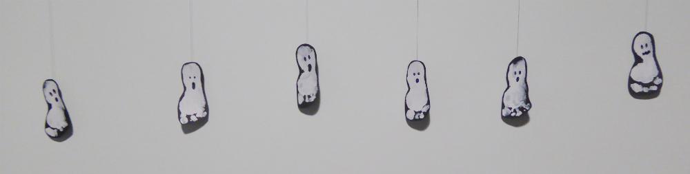 DIY: Halloween Footprint Ghosts - Kid Crafts