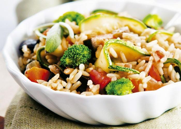 Arroz de forno integral com legumes e verduras light