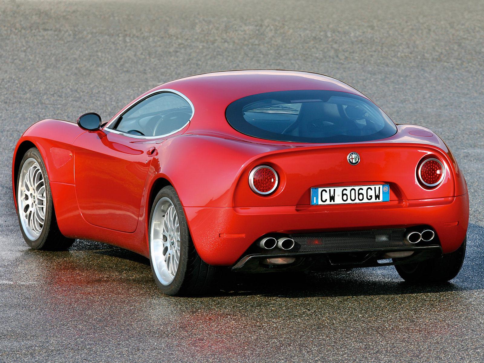 http://4.bp.blogspot.com/-hgZbBRmSdPM/Tr3SvwNgsAI/AAAAAAAAD1w/LDLYANtLac8/s1600/2007_ALFA-ROMEO-8C-Competizione_car-desktop-wallpaper_04.jpg