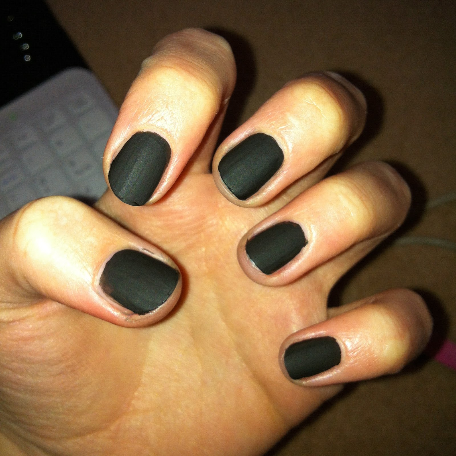 Top Black Matte Nail Polish 1600 x 1600 · 384 kB · jpeg